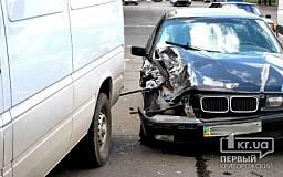 ДТП в Кривом Роге: не разминулись BMW и Mercedes
