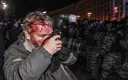 В Киеве на Евромайдане избили 40 журналистов