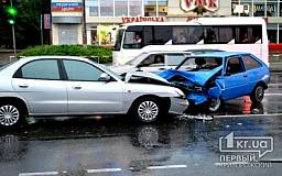 ДТП в Кривом Роге: «Таврия» выехала на «встречку» и лоб в лоб столкнулась с «Daewoo Nubira»