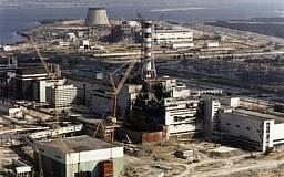В 4 энергоблоке Чернобыльской АЭС рухнула стена и часть крыши