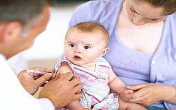 Украинцы все больше доверяют прививкам