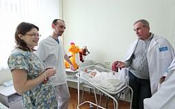 Швейцария помогает снизить уровень смертности украинских женщин и детей