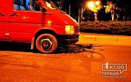В Кривом Роге водитель грузового микроавтобуса сбил несовершеннолетнего велосипедиста