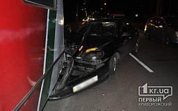 В Кривом Роге пьяный водитель на «Daewoo» влетел в троллейбус