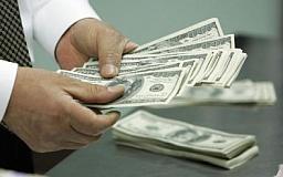 Нацбанк не может удержать рост доллара