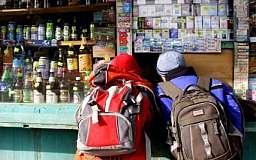 В Украине запретят продавать спиртные и табачные изделия вблизи учебных заведений