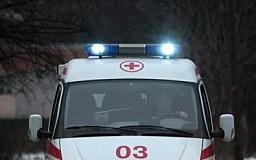 В Кривом Роге 19-летний парень выпал с  третьего этажа