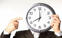 Режим летний: криворожане в ночь на воскресенье переведут часы