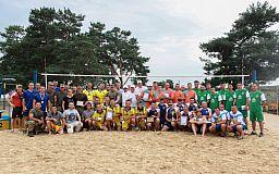 В Дніпропетровській оласті нагородили  кращих десантників-волейболістів України