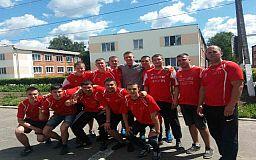Полиция охраны Кривого Рога гоняла мяч в Ровно