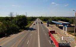 Чтобы не портить асфальт в Днепропетровской области ограничили движение для грузовиков