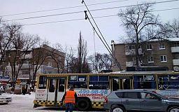 Передай другому: городская власть в Кривом Роге перекинула свои обязанности по КП «Городской троллейбус» на районы