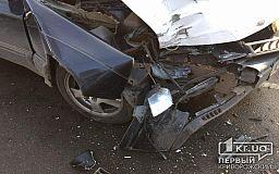 Из-за нерешительного пешехода в Кривом Роге случилось ДТП