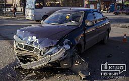 В Кривом Роге снова ДТП на проблемном пешеходном переходе (ОБНОВЛЕНО)