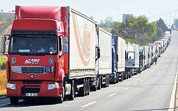 Увага! Через спеку у Дніпропетровській області обмежено рух вантажівок