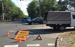 Никто не пострадал: в Кривом Роге столкнулись BMW и ГАЗ