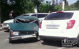 В ДТП на Волгоградской в Кривом Роге попала машина медиков (ВИДЕО)