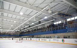 Хоккейный клуб «Кривбасс» побеждает «Донбасс»
