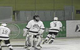 Криворожские хоккеисты обыграли киевлян