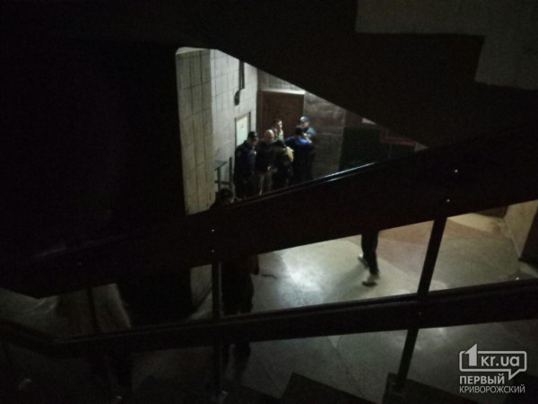 Поножовщина в Кривом Роге: девушка поранила троих парней в ночном клубе