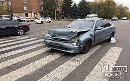 В Кривом Роге во время ДТП иномарка едва не сбила пешехода