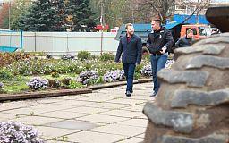 Ремонт площі навколо палацу культури «Карачуни» розпочали