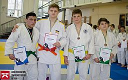 Криворожские дзюдоисты привезли с чемпионата 5 медалей