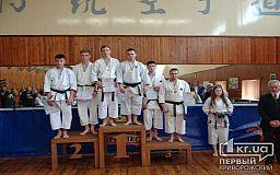 Снова победы. Криворожские каратисты привезли медали с Чемпионата Украины
