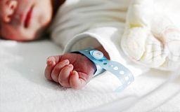 При народженні дитини гроші виплачуватимуть за новими стандартами