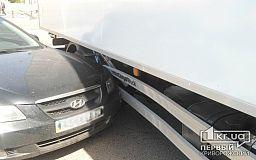 Не поделили дорогу: в Кривом Роге столкнулись «Hyundai» с автофургоном