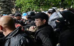 Превышениями полномочий полицейскими 9 мая в Днепре займется прокуратура