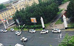 В центре Кривого Рога столкнулись несколько полицейских авто (ОБНОВЛЕНО)