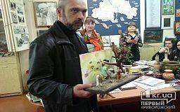 Велике враження від мініатюрних скульптур подарував митець з Кривого Рогу