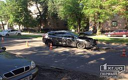 Авария с пострадавшими в Кривом Роге: легковушка столкнулась с микробусом (Обновлено)