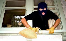 Под покровом ночи двое криворожан пытались ограбить дом