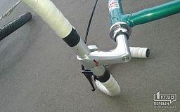 У Кривому Розі через оковиту пенсіонер на велосипеді ледь не вбився