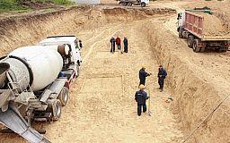 Асфальт тронулся: начат ремонт трассы Днепр-Кривой Рог