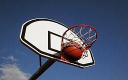 У Кривому Розі відбулися змагання зі стрітболу серед учнів шкіл