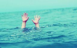 В Криворожском районе на воде спасали ребенка