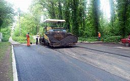 Ремонтируют дороги и накрывают люки: Долгинцевский район продолжают благоустраивать