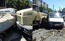 КрАЗ встретил Газель. В центре Кривого Рога столкнулись два грузовика