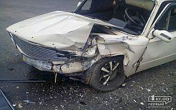ДТП в Кривом Роге: Копейка протаранила Opel (ИСПРАВЛЕНО)