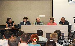 «Шоу вместо работы»: Подробности о происходящем на сессии и реакция депутата на подозрение в преступлении