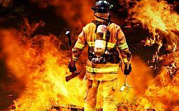 После пожара на территории больницы криворожские спасатели проводят учения