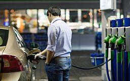 На украинских заправках увеличится доля иностранного топлива
