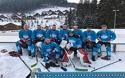 Криворожские хоккеисты побеждают в Карпатах