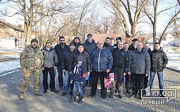 Криворізькі волонтери отримали відзнаки від Міністра оборони