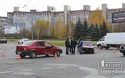 Авария на перекрестке возле Криворожского исполкома