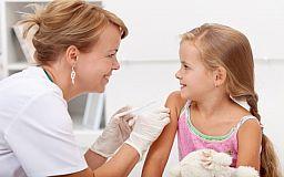 В Украине проблема с вакцинацией: Детей не прививают, потому что не хватает препаратов