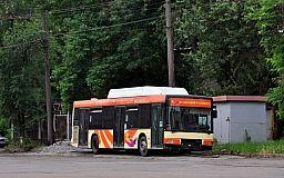 Многострадальный 228-й. Автобусы не могут выполнить последний рейс из-за нехватки топлива